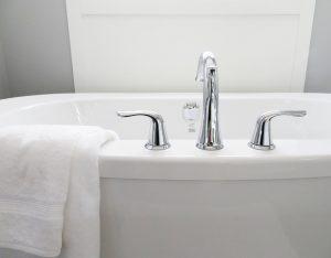 Ein Bild von einer Badewanne